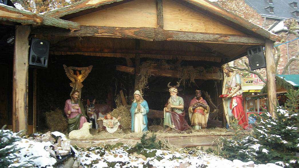 Széklet a Jászolban? - Füzesabonyban wc-nek használták Jézus bölcsőjét