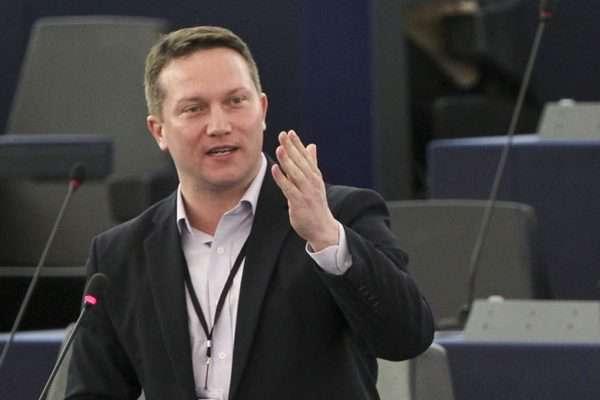 Ujhelyi István: hétfőn egy ócska színjátékot közvetít majd az állami média, pofátlan hazugságban nem lesz hiány