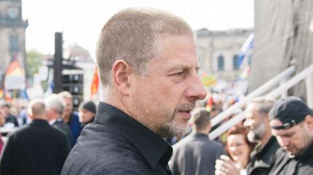 Egy hírhedt német neonáci is ott lesz a magyar külügy konferenciáján