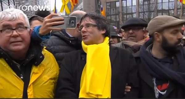 Megkezdődött a szavazás Katalóniában