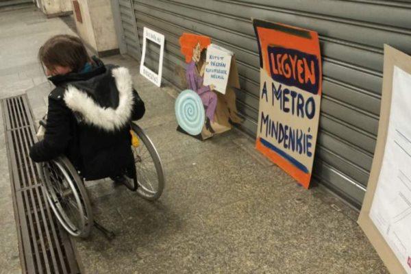 Kilenc ellenzéki párt gyűjt aláírásokat a 3-as metró akadálymentesítéséért