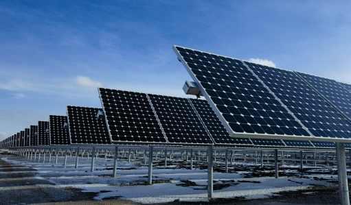 Ehhez pofa kell! - naperőművet épít a kormány Paksra!