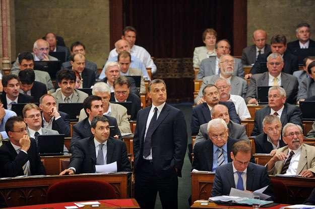 Orbán olyan gyenge lesz tavaszra, mint a harmatos libalegelő