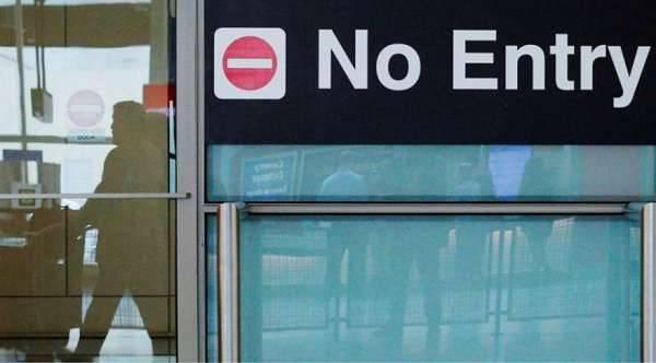Washington feloldja 11 országokból érkező menedékkérők befogadásának tilalmát