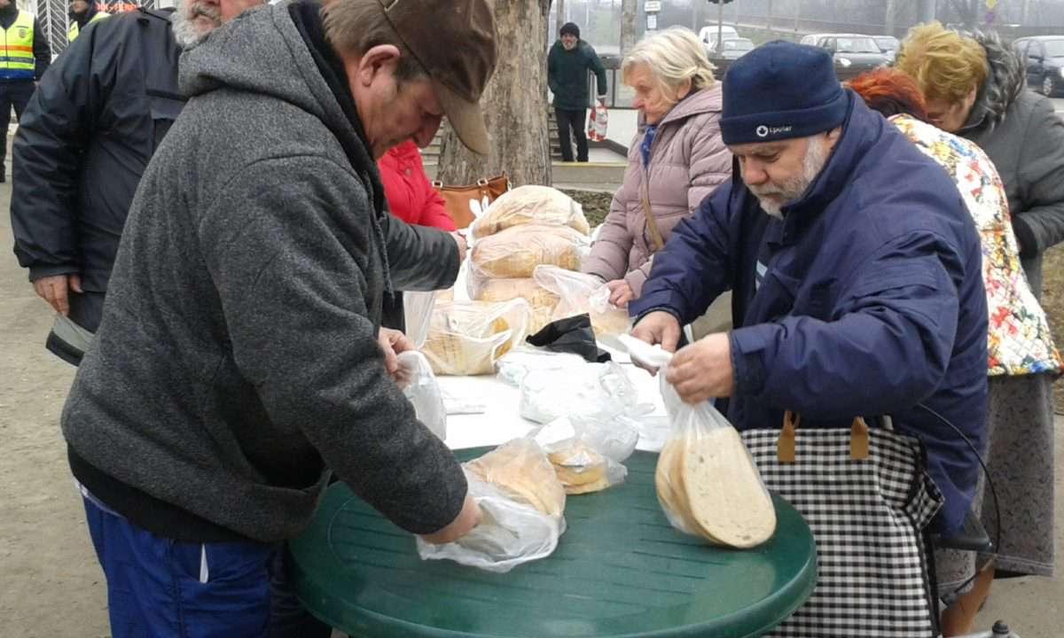 Csipetnyi segítség a nehéz sorsú szegényeknek
