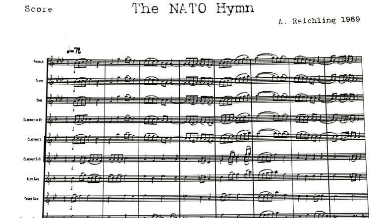 A NATO himnusszal erősít - hallgassuk együtt