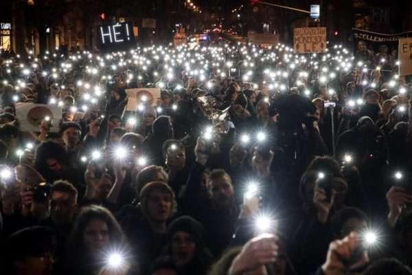 Orbáni kútmérgezés a diákok között