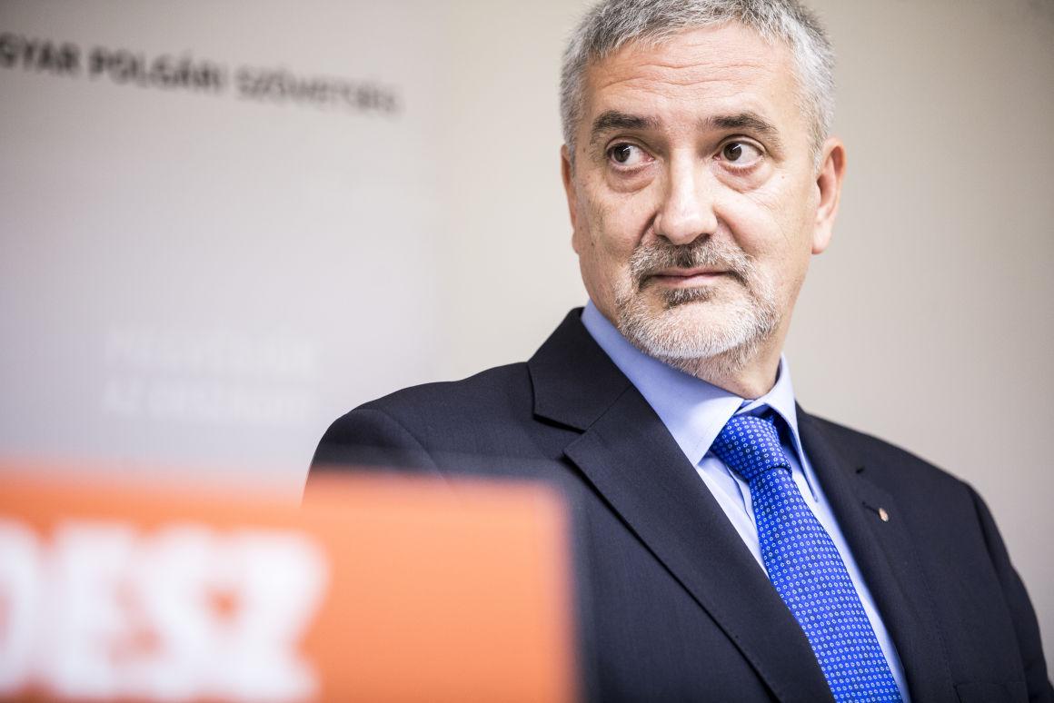 Fideszes Halász János: a Helsinki Bizottság nem Soros-szervezet