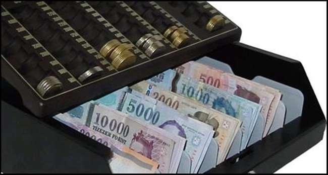 Kérem, vigyázzanak, a pénztárcák nyílnak! - 7 éve nem volt ekkora áremelkedés
