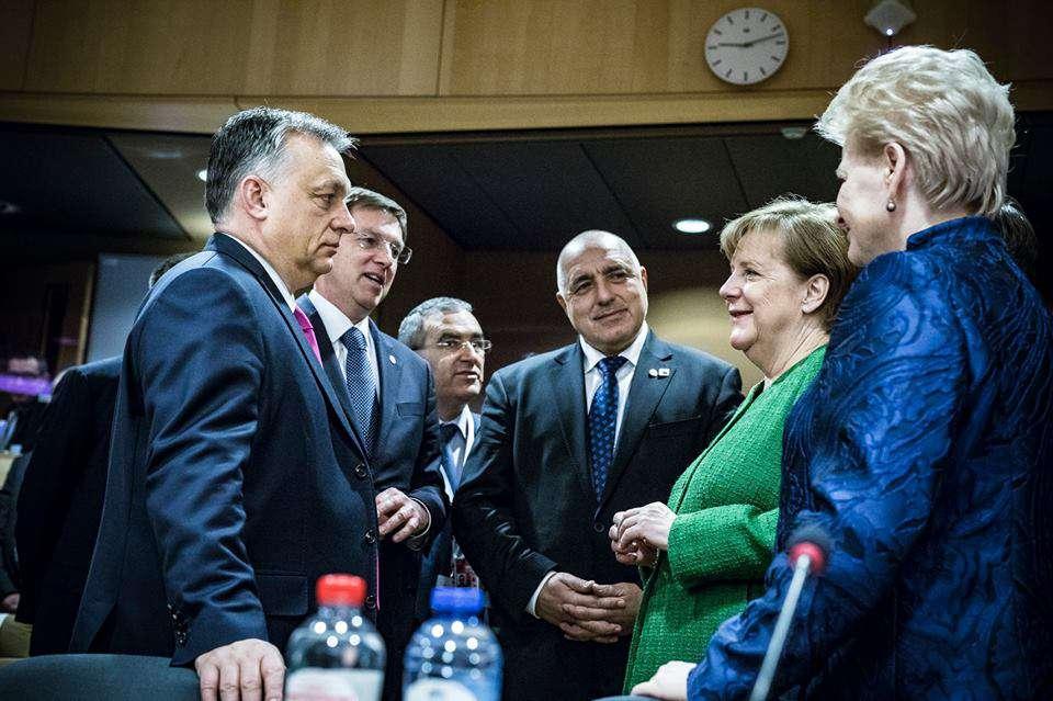 Orbán piros lapja