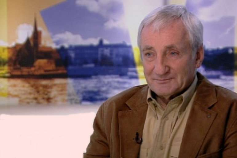 Eötvös Pál: a Fidesz által uralt kormányzati média az erőszaktól duzzad
