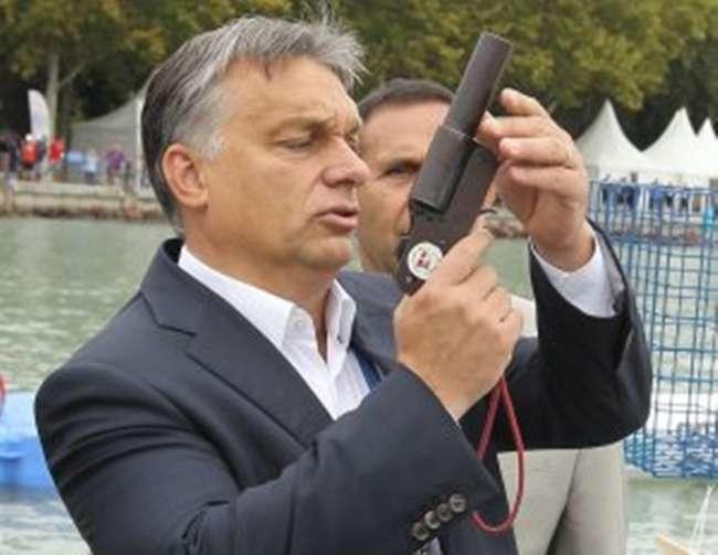Székhelyi József: Orbán jogvégzett ember, tehát végzett a joggal....