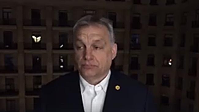 Orbán a rácsok mögül (elől) üzent