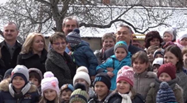 """Orbán bevetette a gyerek-bombát, """"megtámadott"""" egy iskolát!"""