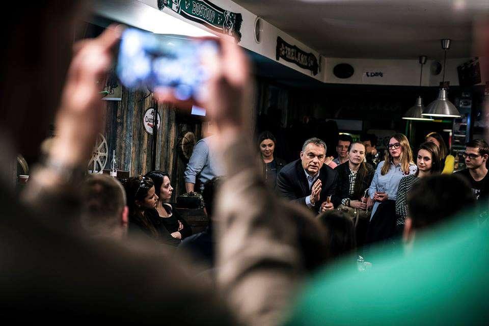 Orbán az oroszlán barlangjában! - ellátogatott a Fidelitashoz