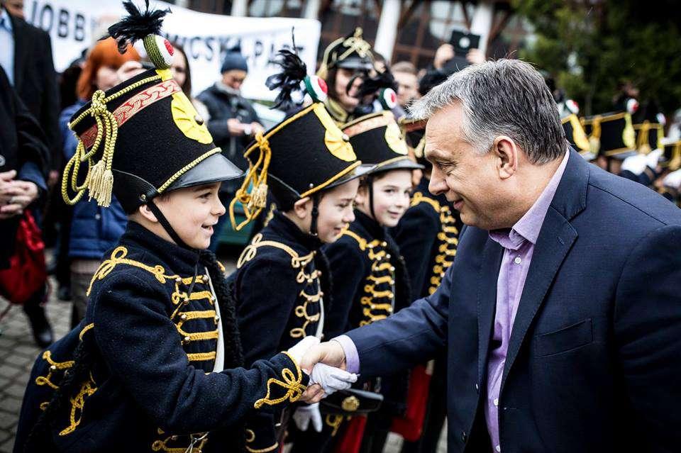 Orbán és a szerencsejáték - tudja, kié lesz a következő ötös