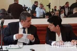 A közgyűlés nem, az elnök viszont kirúgta az ORÖ hivatalvezetőjét
