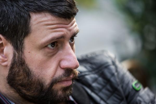 Puzsér Róbert: Karácsony, az identitászavaros tacskó és Orbán-rottweiler esete