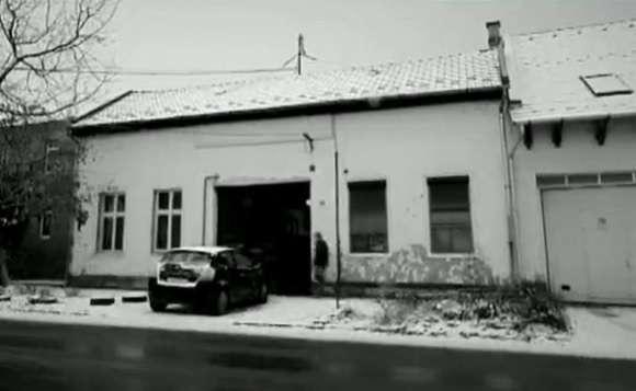 Miskolci fideszes politikus édesanyja teheti ki egy bérház lakóit