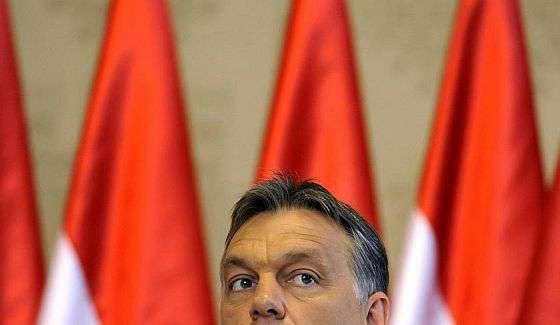 Orbán Viktor besz@rt kétezer embertől!