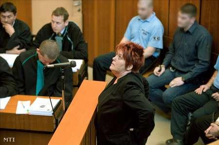 Romagyilkosságok - Felfüggesztett börtönbüntetésre ítélték hamis tanúzásért Nyalka Évát