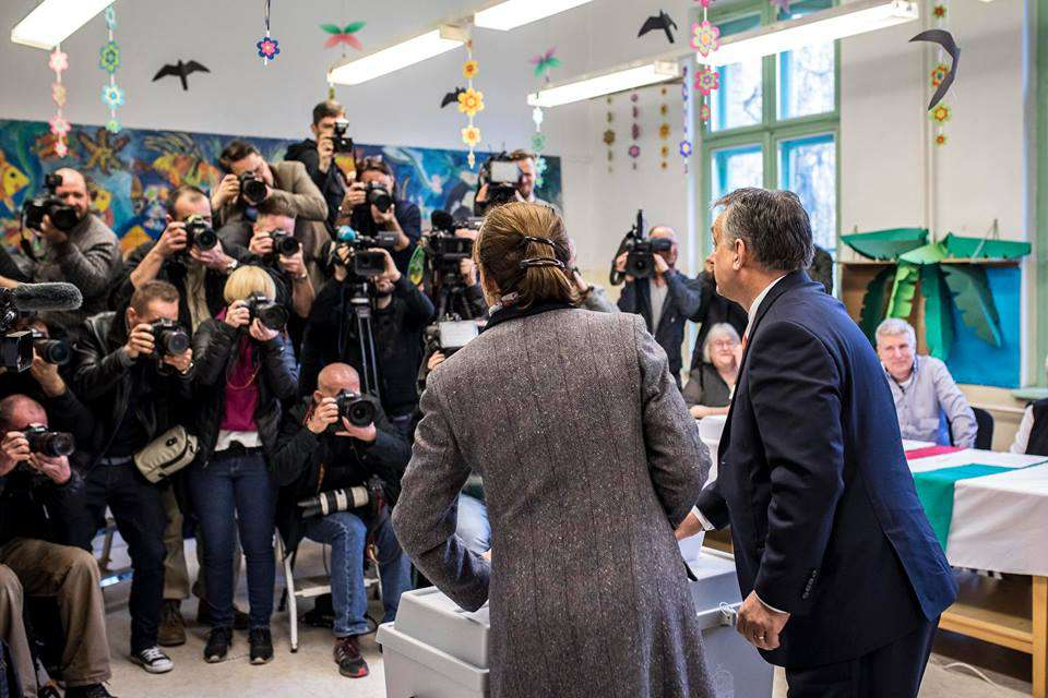 Orbán szavaz