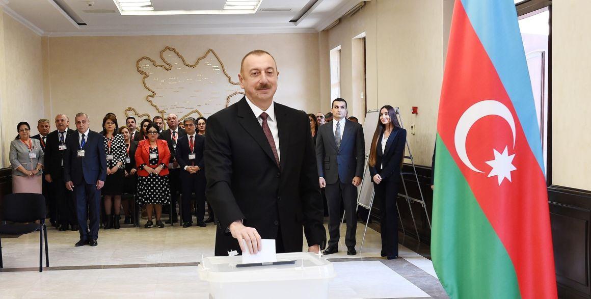 L. Simon László a jog nemzetközi őrzője - Azerbajdzsánban