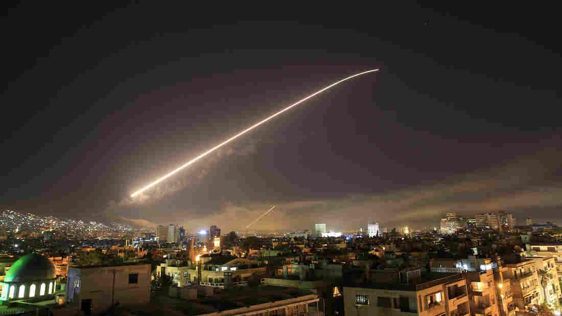 légitámadások Szíria