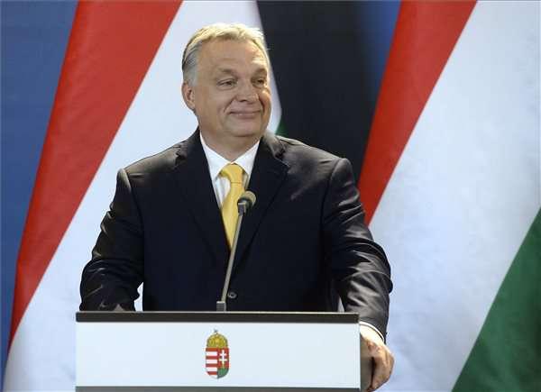 Economist kérdez, Orbán egyszerűagyuan válaszol....
