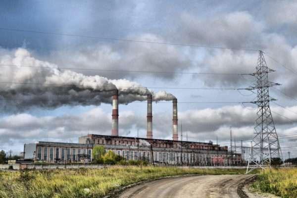 Két hónappal tovább szennyezhetjük büntetlenül a levegőt - az EB csak májusban lép