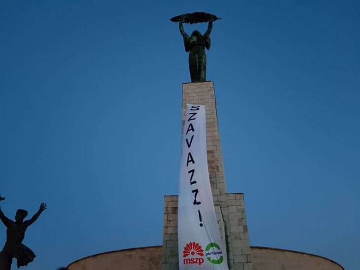 Giga-molinó a Szabadság - szobron!