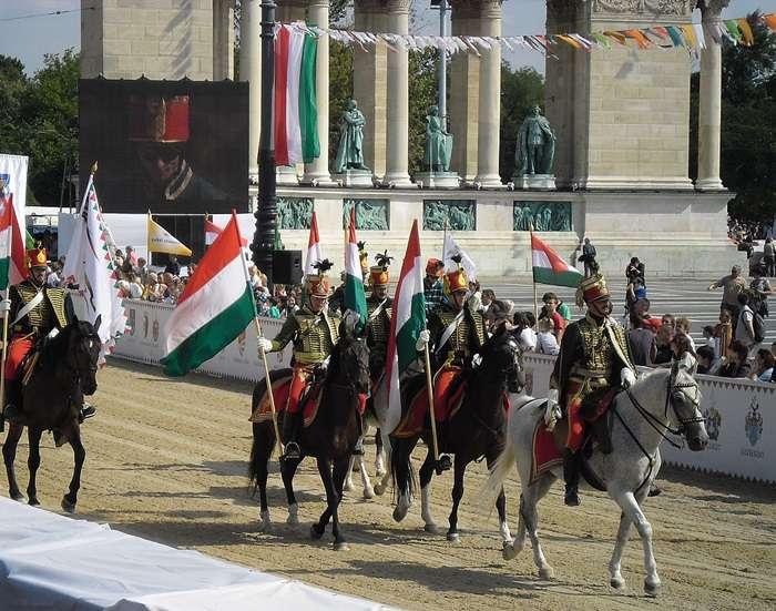 A lovakat lelövik ugye ? …avagy Magyarország büszke erős ország