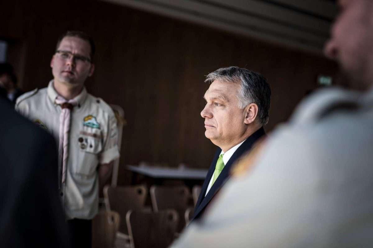 """Vérciki és kikérem magamnak, hogy a magyar miniszterelnök büntetlenül """"nem válaszol"""" az újságírói kérdésre!"""