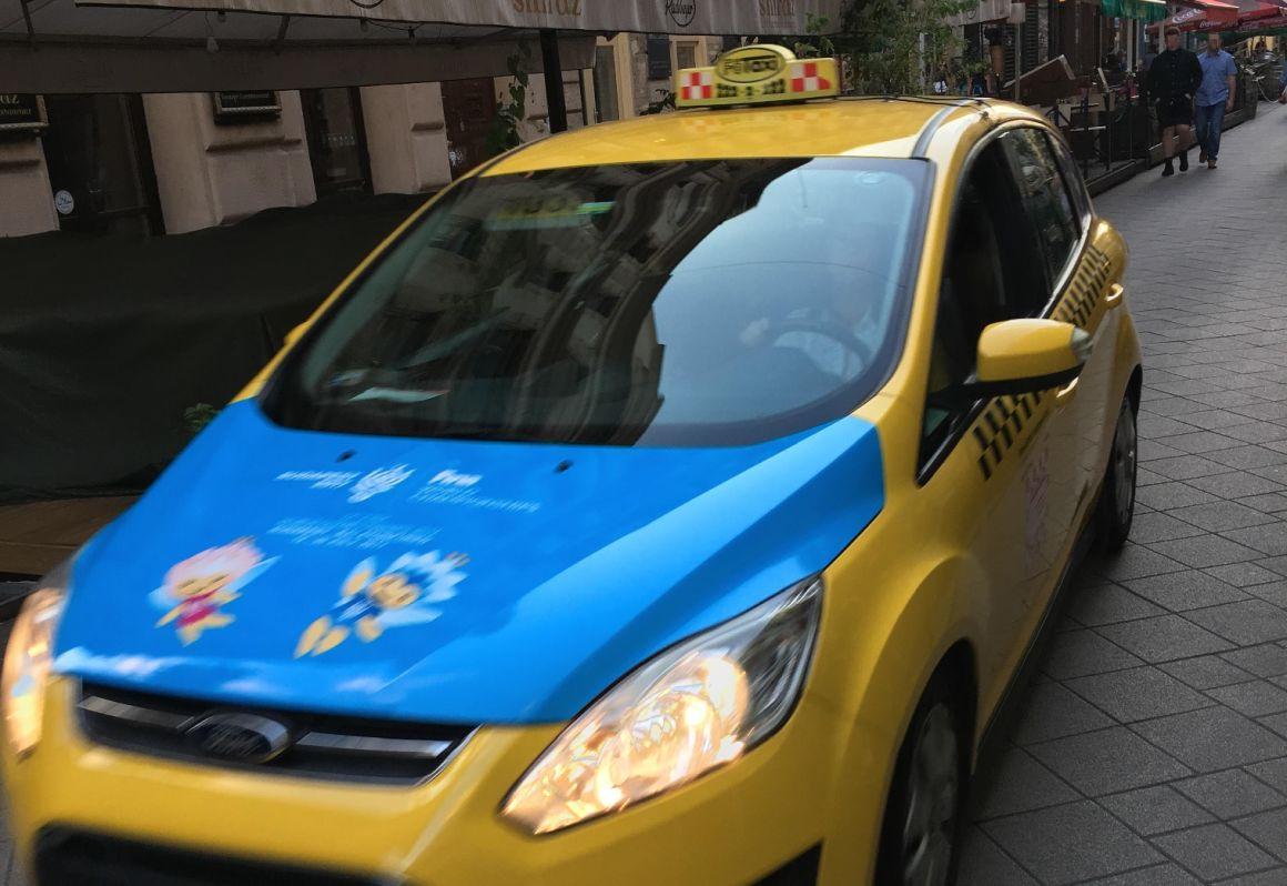 Nemzeti kormánytaxi? - A Főtaxi felvásárolta a Budapest Taxit