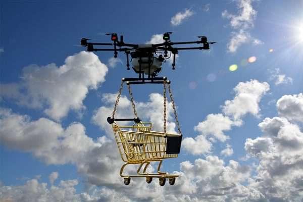A posta a túlélésért küzd, ne rontsa tovább a helyzetét, itt a drónos csomagszállítás magyar módra