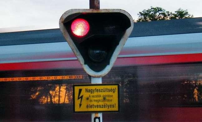 gázolt a vonat, baleset a fénysoromponál