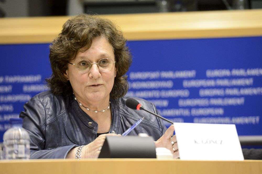 Fidesz-vergődés: Göncz Kinga Soros által támogatott alapítványalapító