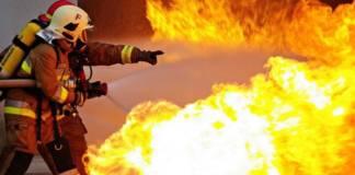 kigyulladt leégett háztűz