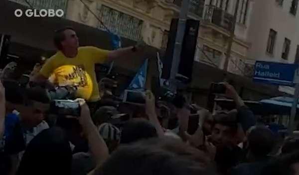 Jair Bolsonaro - késelés
