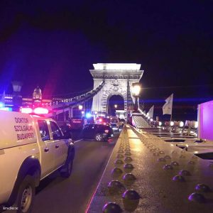 A Dunába ugrott valaki a hídról