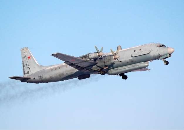 a szír légvédelem lőtte le