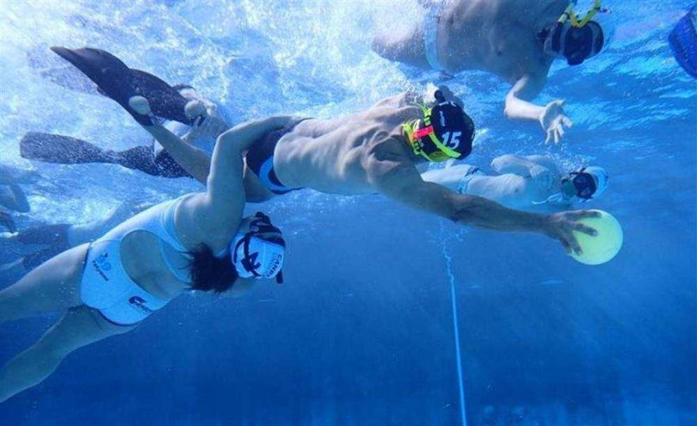 víz alatti rögbi