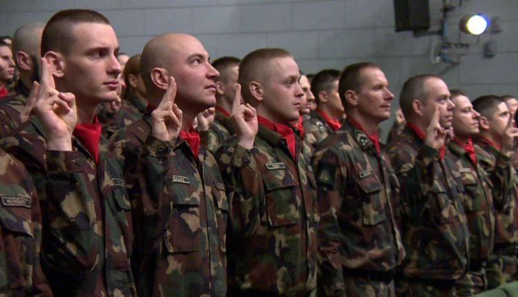 tartalékos katonák lesznek a tisztviselők
