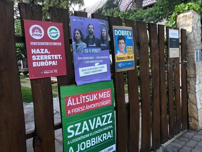 plakatok