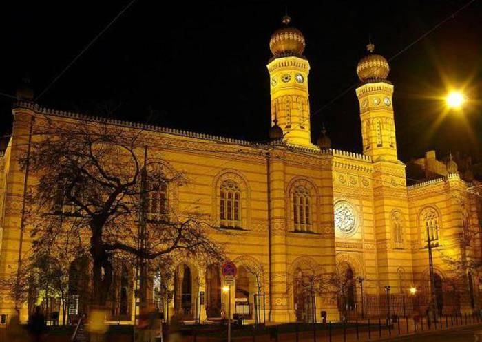 Dohany-utcai-zsinagoga-este