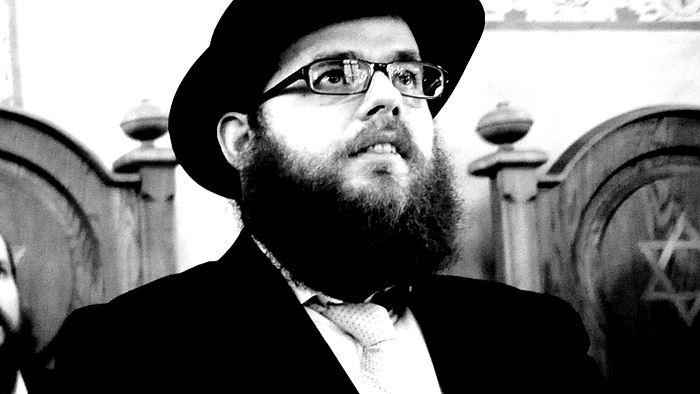 Rabbi úr, a cél szentesíti az eszközt?