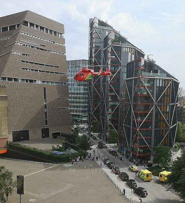 Életfogytiglanra ítélték a brit tinédzsert, aki ledobott egy gyereket a Tate Modern tetejéről 1