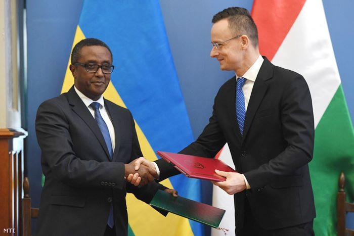 szijjarto-ruanda