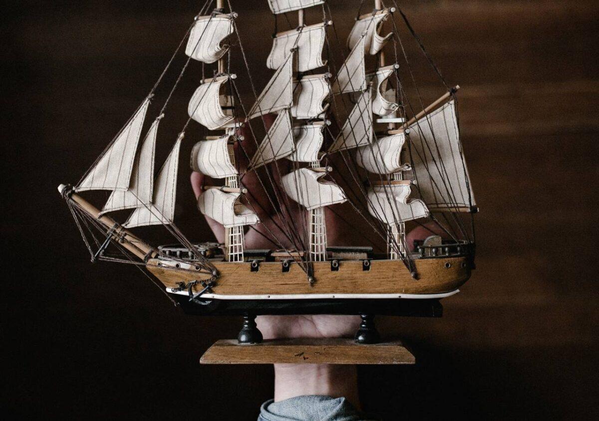 orbán vezető, a hajóskapitány