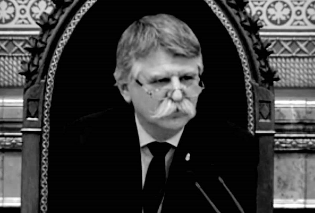 Juszt László: itt állok teljes bizonytalanságban. Kövér viceházmester hagyott így!